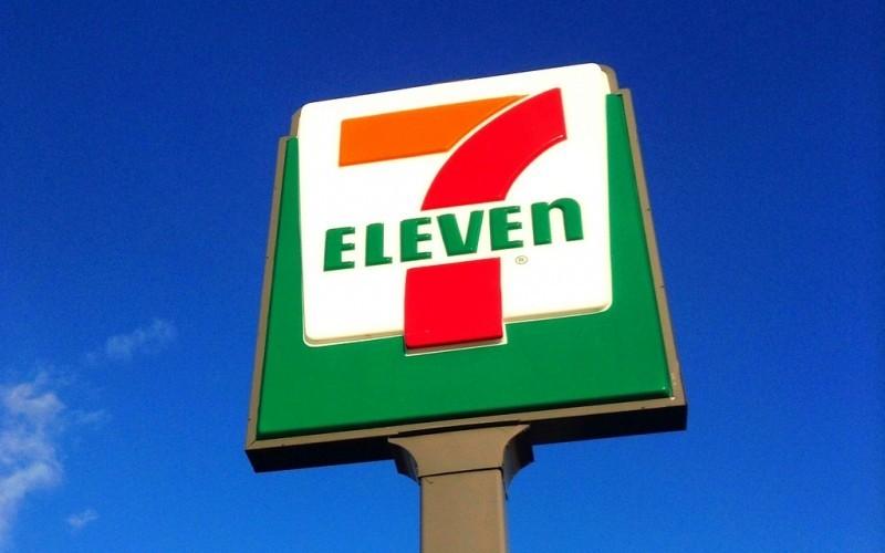 7 Eleven road sign